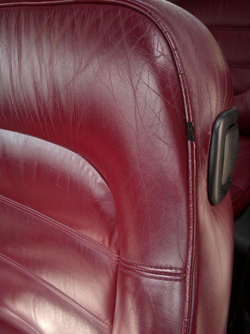 r novation cuir volant et si ge amarante 406 coup sofolk. Black Bedroom Furniture Sets. Home Design Ideas