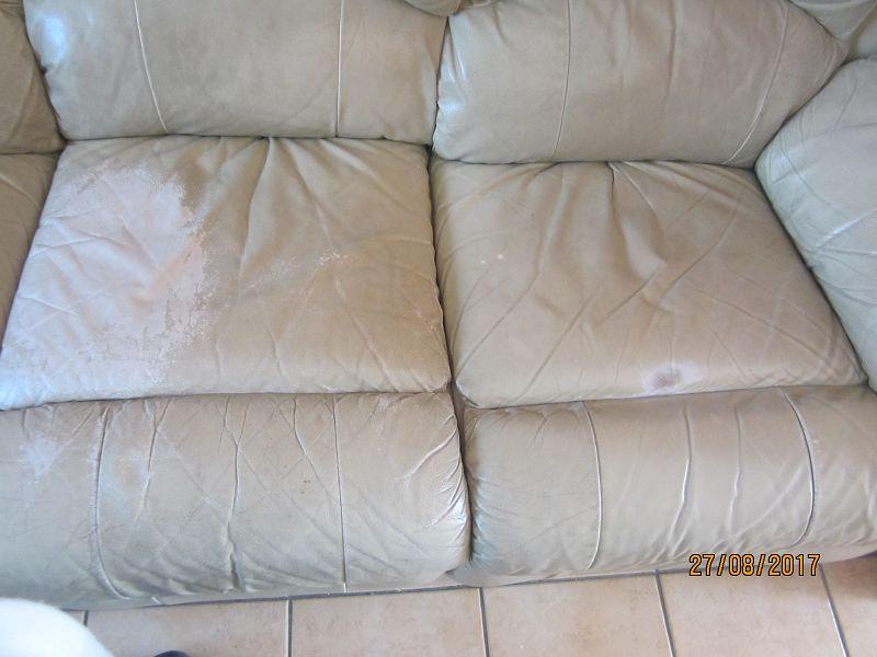 renovation d un canap beige en simili cuir sofolk. Black Bedroom Furniture Sets. Home Design Ideas