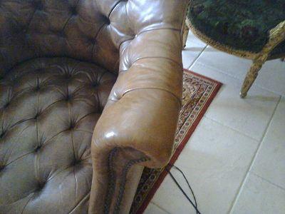 r novation fauteuil en cuir abim sofolk. Black Bedroom Furniture Sets. Home Design Ideas